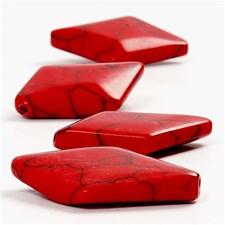 Kivihelmet, koko 32x22 mm, aukon koko 1 mm, 1 lanka, punainen