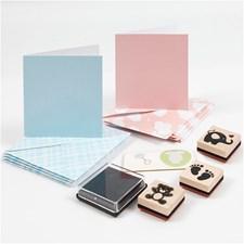 Kortsett, lys blå, lys rød, kort str. 7,5x7,5 cm, konvolutt str. 8,5x8,5 cm, baby, 1sett