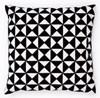 Broderi Kudde med trianglar svart/vit set 40x40 cm